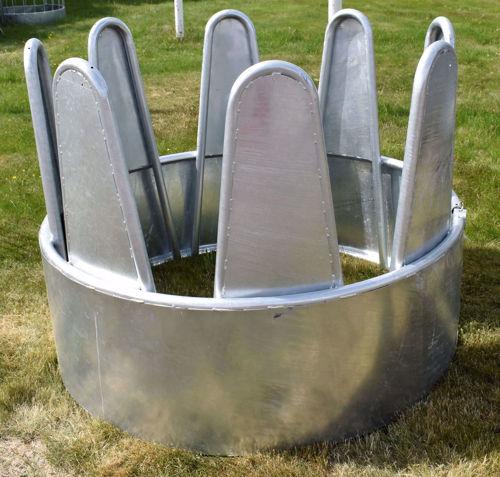 Bild på Foderhäck rund, med täta bogstöd